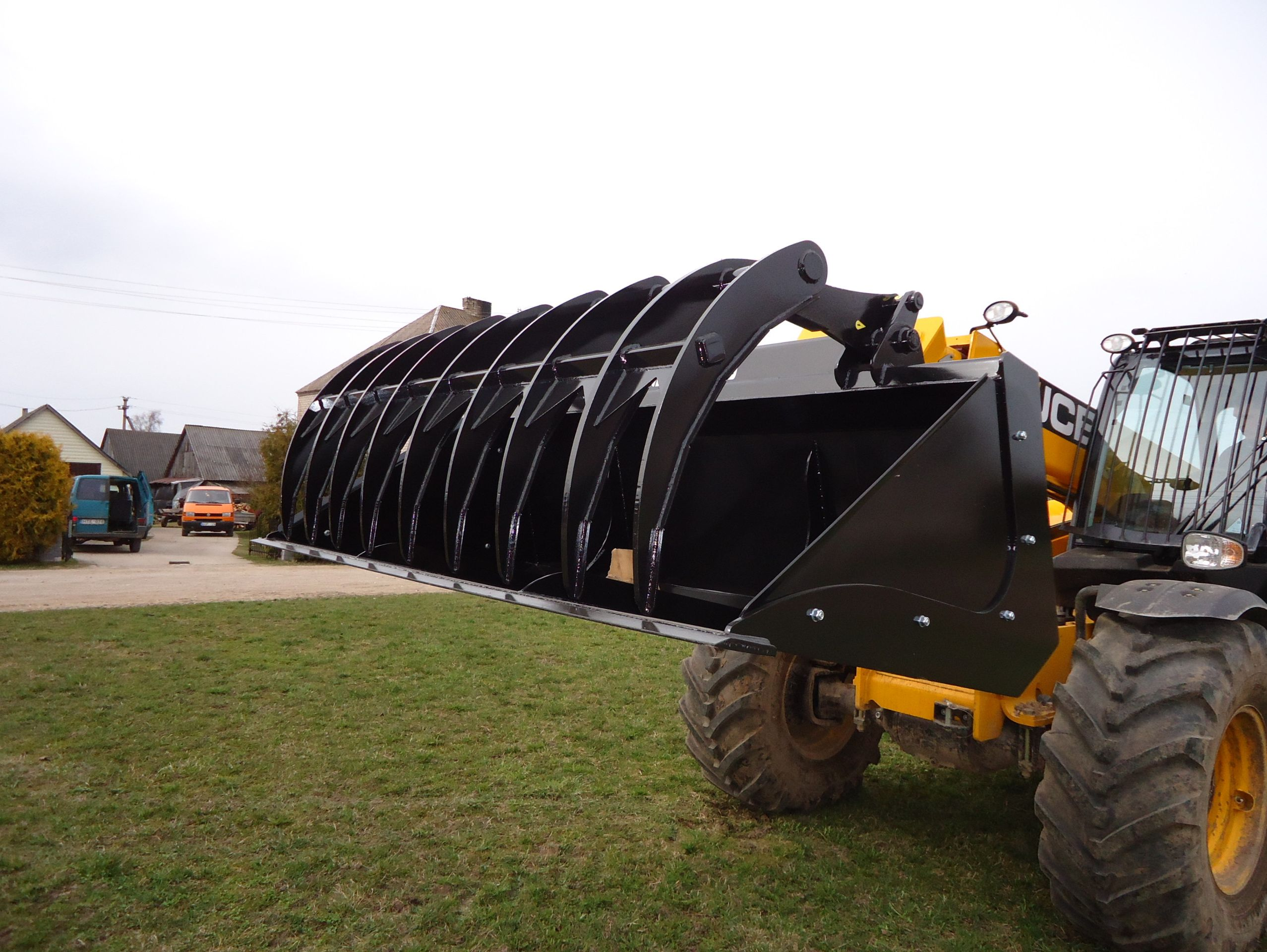 TELEHANDLER MOUNTED IMPLEMENTS